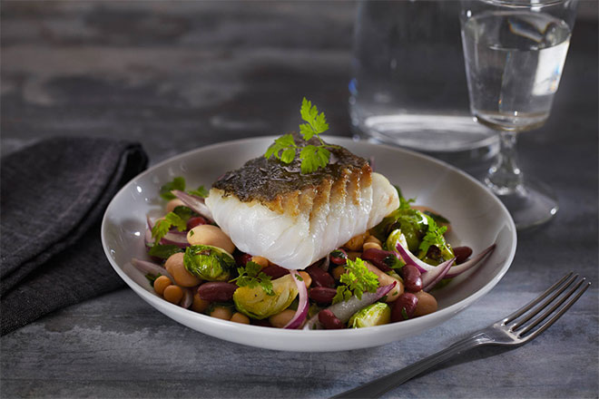 Grilled-cod-with-bean-salad_660x440