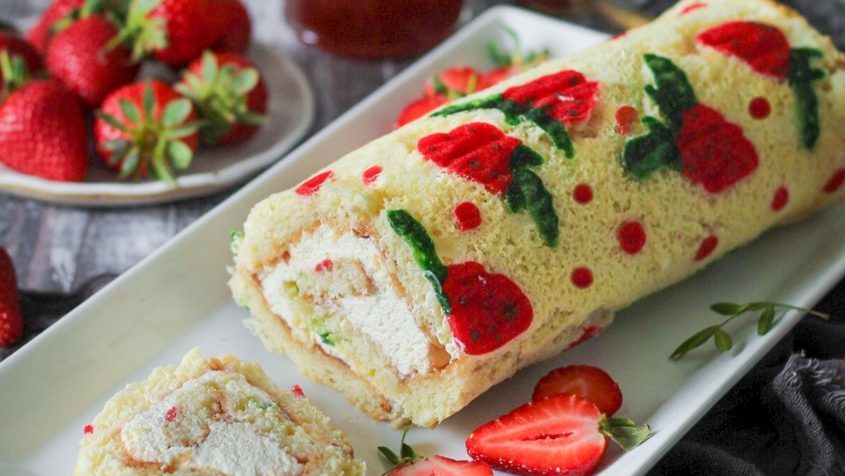 Strawberries and Cream Swiss Roll