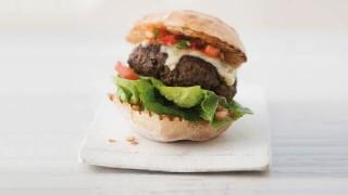 Summer Recipes_640x360_Web Image Burger